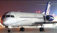 Fokker 100 VIP (hasta 52 plazas) El avión chárter F100 VIP puede transportar 52 pasajeros en clase business total con asientos de piel. Este jet privado cuenta con una autonomía de 5 horas sin escalas con una velocidad de crucero de 850 km/h.