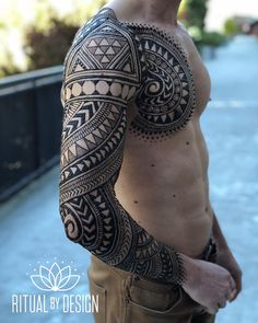 Vladimir is ready for his Mexico holiday vacation! It took to apply and 30 minutes to dry and wrap. Men Henna Tattoo, Henna Men, Henna Body Art, Hand Henna, Tribal Henna Designs, Geometric Henna, Henna Tattoo Designs, Henna Sleeve, Nature Tattoo Sleeve