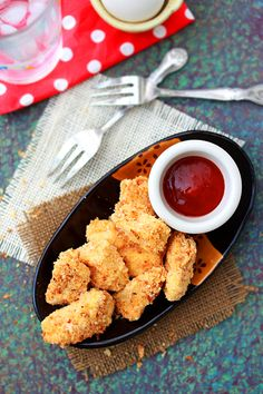 Baked Chicken Nuggets: Here is the baked chicken nuggets recipe using real chicken. You don't even have to deep fry the chicken nuggets as the baked version is equally tasty and not greasy. #chicken #toddler #baked