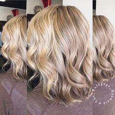 H O N E Y • W H E A T    Root color is Wella Koleston 7/01 20 vol Highlights Soft Blonde 30 vol Toned with 8/38 and pastel developer 5 minutes. . #honeywheat #honeywheatblonde #honeyblonde #blonde #goldenblonde #hair #haircolor #behindthechair #modernsalon #cincinnatihair #americansalon #cincinnati #wella #stylistssupportingstylists #formula #fckinghair