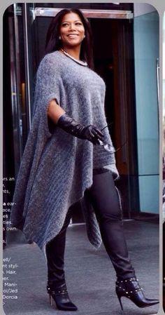 Latifah in Valentino Booties, Escada Lederhosen, Umhang von Acne Studios, Lord & Tayl … - Winter Mode Stil Plus Zise, Mode Plus, Looks Plus Size, Curvy Plus Size, Plus Size Fashion For Women, Plus Size Women, Curvy Fashion, Fashion Looks, Fashion Black