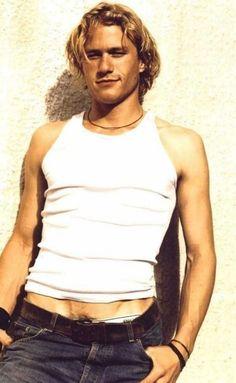 30 Pictures of Young Heath Ledger Pretty Men, Pretty Boys, Beautiful Boys, Beautiful People, Hollywood, Gary Oldman, Vanity Fair, Keanu Reeves, Cute Guys