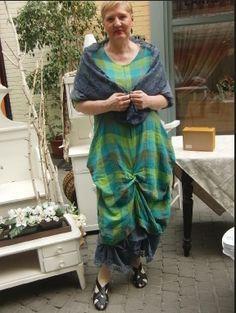az öltözékek a homebazaar üzletében megvásárolhatók,vagy online megrendelhetők .infó:www.homebazaar.hu