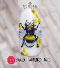 Animal Nail Designs, Animal Nail Art, Cool Nail Designs, Disney Acrylic Nails, Cute Acrylic Nails, Bumble Bee Nails, Pretty Nails, Cute Nails, Butterfly Nail Art