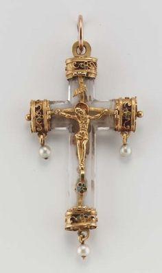 A fine century gold and rock crystal crucifix pendant Mom Jewelry, Cross Jewelry, Jewelry Design, Religious Cross, Religious Jewelry, Sign Of The Cross, The Cross Of Christ, Antique Jewelry, Vintage Jewelry