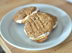 """Fluffernutter"" Sandwich Cookies 
