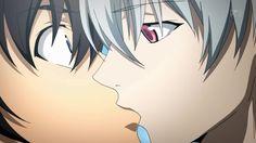 Akise Aru and Amano Yukiteru Kiss (Mirai Nikki)