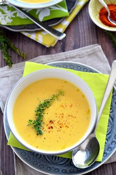 Fried garlic, cauliflower, carrot cream soup – We cooked it - My Shop B Food, Food Porn, Good Food, Yummy Food, Healthy Dishes, Healthy Recipes, Creamy Carrot Soup, Carrot Cream, Vegetarian Recepies