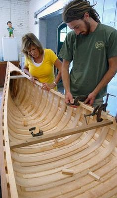 Rollin Thurlow – Boat Building this school is amazing! Can't wait for next s… – Now YOU Can Build Your Dream Boat With Over 500 Boat Plans! Wood Canoe, Canoe Boat, Canoe Trip, Make A Boat, Diy Boat, Camping Am Meer, Plywood Boat Plans, Canoe Plans, Wooden Boat Building