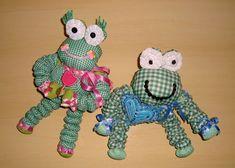 Sapinho Vittório e sua namorada Lilica, brinquedos artesanais