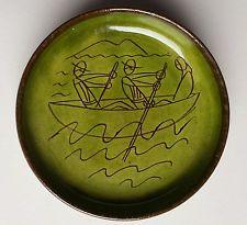 Terrybaun dish decorated by Oisin Kelly. Irish Art, Sgraffito, Ceramic Plates, Pottery, Tapestry, Sculpture, Ceramics, Dishes, Studio