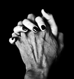 LE LOVE BLOG LOVE PHOTO BY BENOIT COURTI MAN WOMAN COUPLE HAND HOLDING LOVE QUOTE LOVE STORY