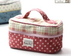 This Train caseBox zippy Zippered bag sewing pattern makeup bag is just one of the custom, handmade pieces you'll find in our patterns & how to shops. Makeup Bag Pattern, Wallet Sewing Pattern, Pouch Pattern, Backpack Pattern, Sewing Makeup Bag, Coin Purse Pattern, Makeup Bags, Diy Makeup, Bag Patterns To Sew