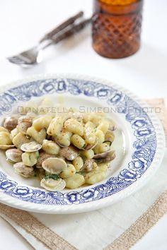 Gnocchetti di ricotta al vapore con vongole e zucchine