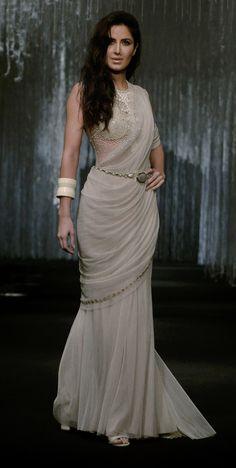 "confessionsofabollywoodgirl: "" Katrina Kaif walks the ramp for Tarun Tahiliani "" Katrina Kaif Images, Katrina Kaif Hot Pics, Katrina Kaif Photo, Tarun Tahiliani, Bollywood Celebrities, Bollywood Fashion, Bollywood Stars, Bollywood Actress, Saris"