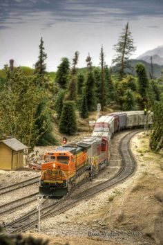 Here BNSF 638 is exiting the tunnel at Quin mountain. I am currently shooting a layout that is being torn down for Model Railroader. N Scale Model Trains, Model Train Layouts, Scale Models, Escala Ho, Ho Trains, Model Railroader, Train Tracks, Ho Scale, Scenery