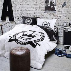 Royal Bedding Set  #pillow #pillows #pillowcase #saturday #saturdayswag #saturdayfun #bedding #trends #trends2018 #trendsdesign #homedecor #homedecorideas  #homedecoration #homedecorators #fashiontrends #bed #bedtime #bedroom #bedifferent #bedhead #bedroom #bedroomideas