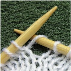 Invisible increases in miniature knitting