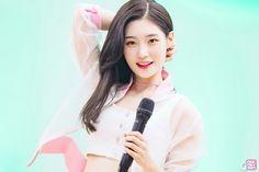 채연 #ChaeYeon #정채연 #JungChaeYeon #DIA #다이아 #I.O.I #아이오아이  [Chaeyeon's Instagram | @ j_chaeyeoni Instagram DIA | @mbk.dia Twitter DIA | @dia_official]