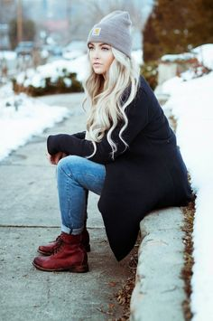Knit cardigan, jeans, boots and beanie. | Winter Style