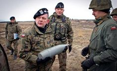 Россия названа главным вероятным противником Польши впредставленной властями страны концепции обороны.  Россия названа главным вероятным противником Польши в представленной властями страны концепции обороны.