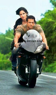 Salman Khan and Katrina Kaif Bollywood Songs, Bollywood Actors, Bollywood Celebrities, Salman Khan Photo, Shahrukh Khan, Katrina Wallpaper, Love Poems In Hindi, Salman Katrina, Ek Tha Tiger