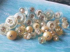 Check out this item in my Etsy shop https://www.etsy.com/listing/533684611/vintage-buttons-lot-of-29-assorted-clear