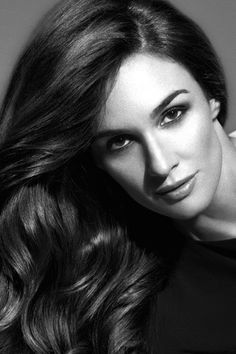 Paz Vega -- she should really be in every movie Gorgeous Women, Beautiful People, Black And White People, Spanish Actress, Perfect Movie, Becoming An Actress, Vegas Style, Female Character Inspiration, Black And White Portraits