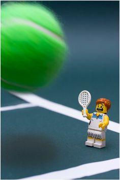 LEGO Tennis Player Minifig << this gets funnier the longer you watch it 😂 Legos, Minifigura Lego, Lego Humor, Lego Technic, Lego Minifigs, Pokemon Lego, Lego Hacks, Figurine Lego, Tennis Funny