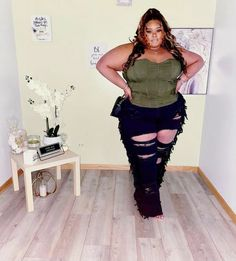 Thick Girl Fashion, Plus Size Fashion For Women, Curvy Women Fashion, Thick Girls Outfits, Curvy Girl Outfits, Plus Size Outfits, Plus Size Fashionista, Denim And Lace, Sensual