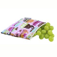 Itzy Ritzy Snack Happens Reusable Snack Bags are fun, eco-friendly alternatives to wasteful plastic baggies. Machine washable, food-safe & BPA-free!