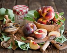 Нектарин фрукты, персики, сахар, доска, натюрморт Обои - 1280x1024