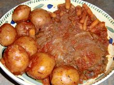 Crock Pot Swiss Steak with Potatoes - A comforting slow cooker beef recipe that's handy if you want a one-pot dinner. Top Recipes, Crockpot Recipes, Recipies, Swiss Steak Recipes, Slow Cooker Pressure Cooker, Potted Beef Recipe, One Pot Dinners, Easter Dinner Recipes, Crock Pot Cooking
