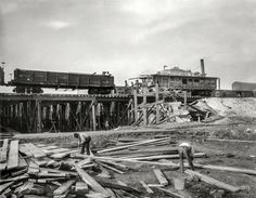 Shorpy Historic Picture Archive :: Working on the Railroad: 1901 high-resolution photo