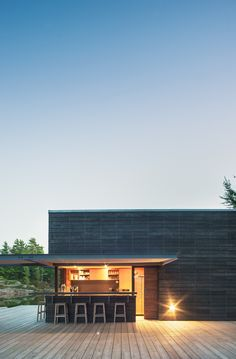 #architecture : Quiet Modernism Inspired by Private Boathouse and Docking Facility in Canada