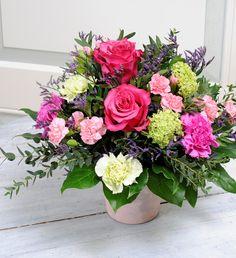 """""""Schön, dass es Dich gibt"""" #freude #geschenk #rosen #pink #nelke #schneeball #fresien #lila #gruen #strauss #geschenk #blume #flower #blume2000 #blume2000de // Lieferbar bis zum 05.02.2015"""