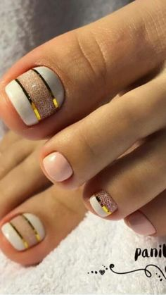 17 Ideas french pedicure designs toenails pretty toes for 2019 - So Funny Epic Fails Pictures Simple Toe Nails, Pretty Toe Nails, Cute Toe Nails, Summer Toe Nails, Toe Nail Art, Gold Toe Nails, Pretty Toes, Blue Nails, Summer Pedicures