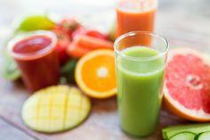 Jugos detox para la piel. ¿Aún no has probado los zumos detox? Estos se han convertido en imprescindibles para aquellas mujeres que están buscando depurar su organismo, beneficiar su salud y perder algo de peso al mismo tiempo...