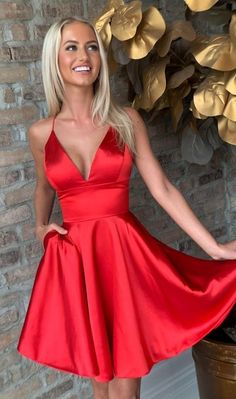 Sexy tiefem V-Ausschnitt rot kurzes Partykleid, .- Sexy Deep V neck Red Short . Sexy tiefem V-Ausschnitt rot kurzes Partykleid, …- Sexy Deep V neck Red Short Party Dress, Cute M Red Hoco Dress, Hoco Dresses, Plus Size Prom Dresses, The Dress, Sexy Dresses, Summer Dresses, Wedding Dresses, Red Dress Outfit, Red Satin Dress Short