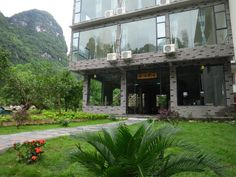 Yangshuo Yellow Cloth Reflection Inn China, Asia Ideally located in the prime touristic area of Xingping Fishing Village, Yellow Cloth Reflection Inn promises a relaxing and wonderful visit. The hotel offers guests a range of services and amenities designed to provide comfort and convenience. Take advantage of the hotel's free Wi-Fi in all rooms, taxi service, 24-hour room service, express check-in/check-out, luggage storage. Some of the well-appointed guestrooms feature telev...
