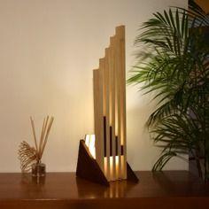 Zabena,lampe en bois, design, haut de gamme à poser, en chêne teinté et tulipier naturel