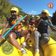 Rafting no Rio Macaé é um ótimo presente para para você, seus amigos ou a sua família desfrutarem do contato com a natureza de forma ativa e divertida!