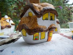 48...more kitties in the window of the fairy house By @gennepher