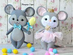 Friendly felt mice