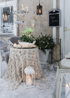 Joulukuisti viimeistellään lyhdyillä ja kynttilöillä. Katso kuva ja tee itse!