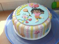 Verjaardagstaart Dora. Op de zijkant little stars
