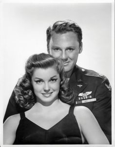 Van Johnson & Esther Williams. <3 RIP, Esther! You inspired the Olympic event, synchronized swimming!