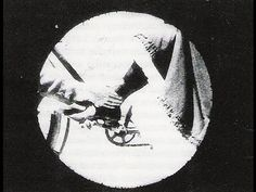 Filme de George Albert Smith, realizador britânico contemporâneo dos irmãos Lumière. Através da máscara (buraco redondo) representa o objecto que transporta o observador.
