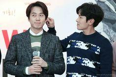 Shinhwa Signing Event- 앤디 & 동완