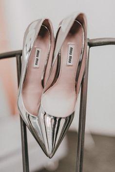 b87096f171435b Pump Schuhe Hochzeit. Brautschuhe metallic Miu Miu. Bridal shoes silver.